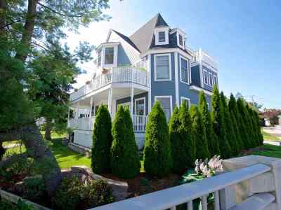 Kittery Condo/Townhouse For Sale: 17 Water Street #1