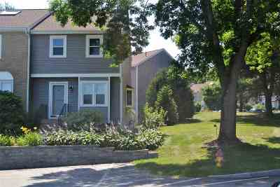 Goffstown Condo/Townhouse Active Under Contract: 16 Oakwood Circle #4