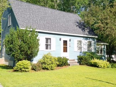 Concord Single Family Home For Sale: 16 Peterson Circle