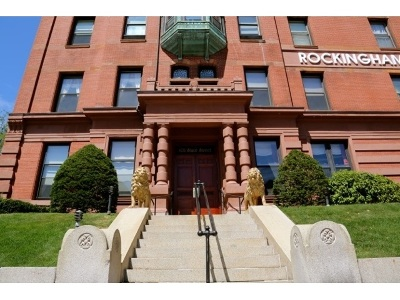 Portsmouth Condo/Townhouse For Sale: 401 State Street #206