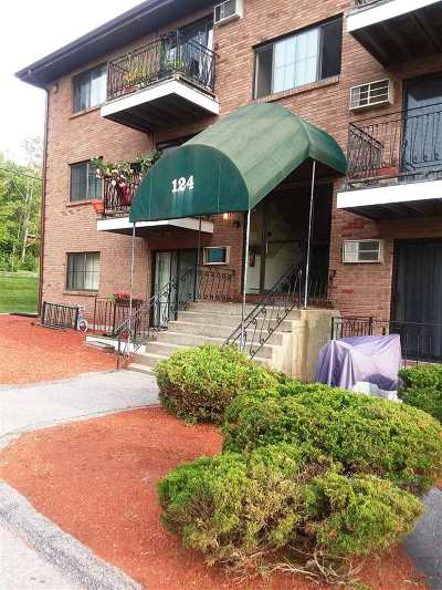 Hooksett Condo/Townhouse For Sale: 124 Mammoth Road #204