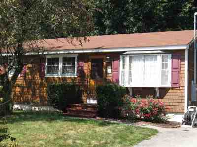 Nashua NH Single Family Home For Sale: $212,000
