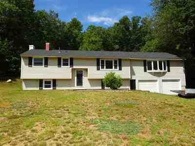 Merrimack Single Family Home For Sale: 35 Fairway Drive