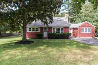 North Hampton Single Family Home Active Under Contract: 27 Woodknoll Drive