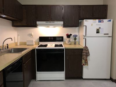 Exeter Condo/Townhouse Active Under Contract: 6 Brookside Drive #1