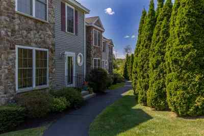 Portsmouth Condo/Townhouse Active Under Contract: 33 Albacore Way #D