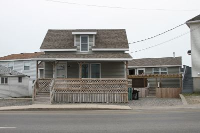 Hampton Multi Family Home For Sale: 181 Ashworth Avenue