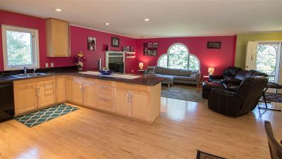 Plymouth Single Family Home For Sale: 44 Chaddarin Lane