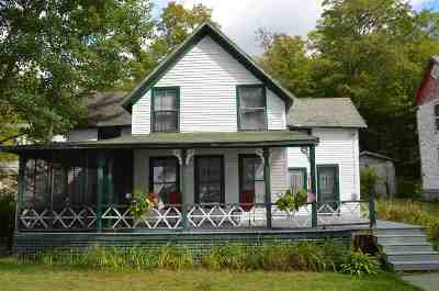 Belknap County, Carroll County, Cheshire County, Coos County, Grafton County, Hillsborough County, Merrimack County, Rockingham County, Strafford County, Sullivan County Single Family Home For Sale: 7 Lakeside Road