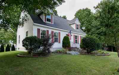 Rochester Single Family Home For Sale: 5 Deerfield Court