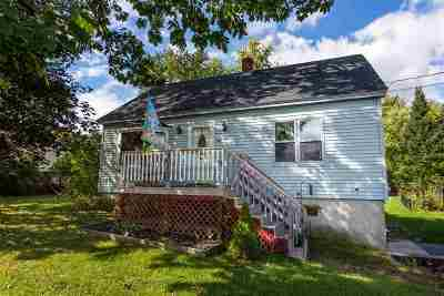 Rochester Single Family Home For Sale: 22 Brickyard Drive