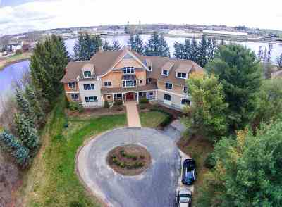 Portsmouth Single Family Home For Sale: 162 Mill Pond Way #1