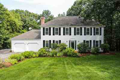 Bedford Single Family Home For Sale: 60 Hitching Post Lane