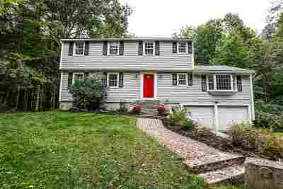 Bedford Single Family Home For Sale: 77 Wallace Road