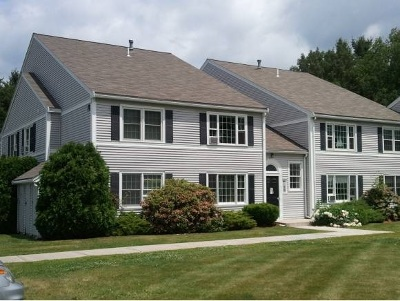 Exeter Condo/Townhouse Active Under Contract: 50 Brookside Drive #H3