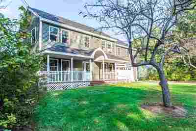 Concord Single Family Home For Sale: 208a East Side Drive