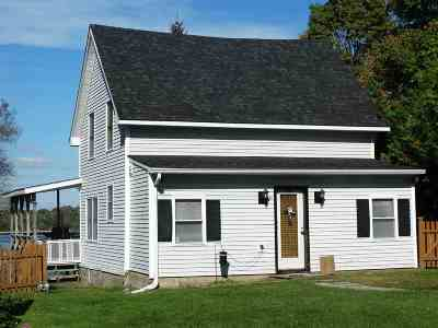 Orleans County Single Family Home For Sale: 470 Glen Road
