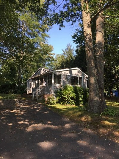 Kingston Single Family Home Active Under Contract: 32 New Boston Road