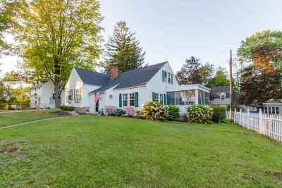 Nashua Single Family Home For Sale: 2 Hillcrest Circle