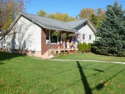 St. Albans City Single Family Home For Sale: 34 Cedar Street