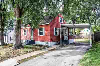 Manchester Single Family Home For Sale: 202 Holly Avenue