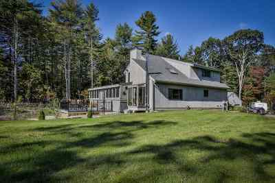 Salem Single Family Home For Sale: 36 Stanley Brook Drive