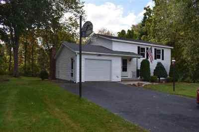 Salem Single Family Home For Sale: 4 Sherwood Circle