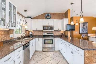 Colchester Single Family Home For Sale: 82 Farnsworth Road
