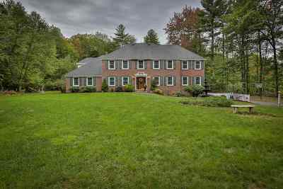 Merrimack Single Family Home For Sale: 15 Cobblestone Place
