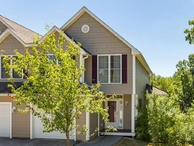 Newmarket Single Family Home Active Under Contract: 49 Apple Lane