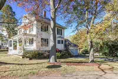 Portsmouth Single Family Home For Sale: 35 Middle Road