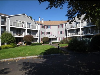 Concord Condo/Townhouse For Sale: 120 Fisherville Road #39