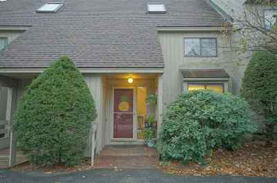 Bedford Condo/Townhouse For Sale: 9 Saratoga Court