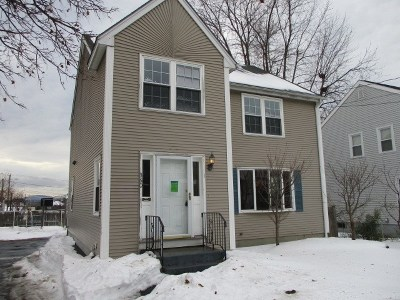 Manchester Single Family Home For Sale: 360 Belmont Street