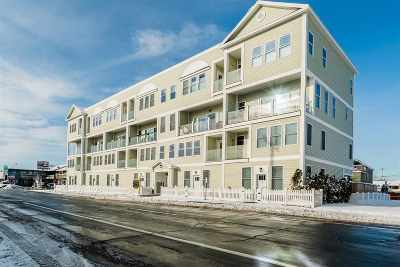 Hampton Condo/Townhouse For Sale: 33 Ocean Boulevard #5