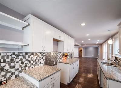 Hooksett Single Family Home For Sale: 9 Highland Street