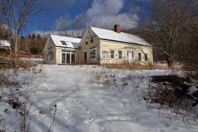 Carroll County Single Family Home For Sale: 215 Old Portland Road
