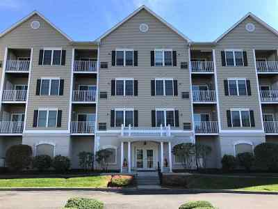 Salem Condo/Townhouse For Sale: 59 Cluff #77,