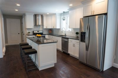 Bedford Single Family Home For Sale: 39 Hitching Post Lane