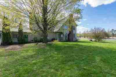 Colchester Single Family Home For Sale: 906 Middle Road