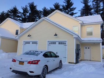 Rochester Condo/Townhouse For Sale: 64 Monroe Drive #8