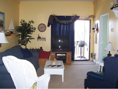 Laconia Condo/Townhouse For Sale: 59 Tree Top Circle #431