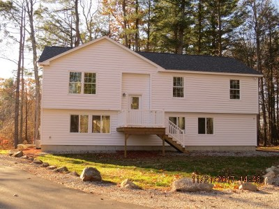 Seabrook Single Family Home For Sale: 19 Anchor Way