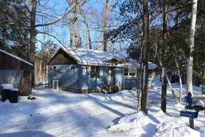 Kingston Single Family Home For Sale: 8 Half Moon Lane