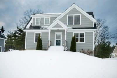 Exeter Single Family Home For Sale: 3 Squire Way