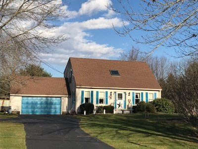 Stratham Single Family Home For Sale: 5 Barnes Drive