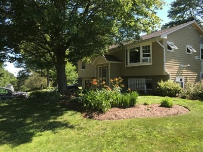 South Burlington Single Family Home For Sale: 9 Country Club Drive