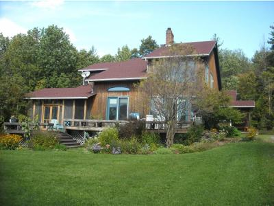 Montgomery VT Single Family Home For Sale: $495,000
