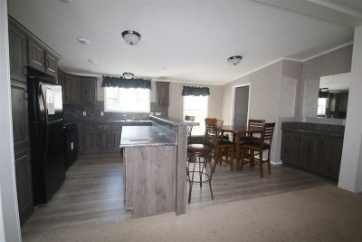 Rochester Single Family Home For Sale: 178 Dry Hill Road