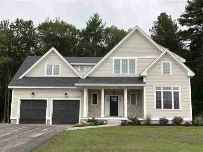 Stratham Single Family Home For Sale: 7 Barbaras Way
